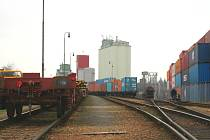 Lidé žijící v Lípě trpí zejména kvůli místnímu překladišti kontejnerů, které jsou přepravovány nákladními vlaky.