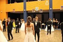 Výtěžek školního ples byl 30 tisíc korun