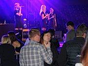 Akce I love 90's v sobotu 3. února 2018 ve zlínské hale Euronics. Na snímku je kapela Holki.