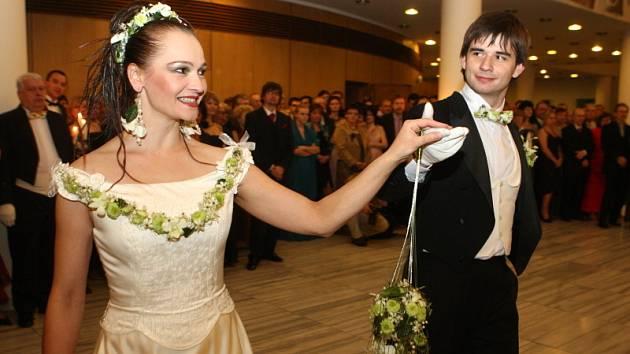 Už devatenáctý ročník plesu v Městském divadle Zlín.