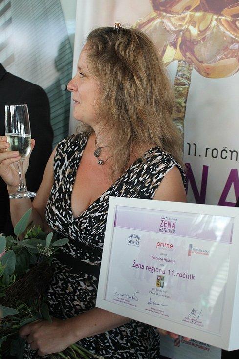 Držitelkou ocenění Žena regionu 2020 se stala Veronika Habrová.