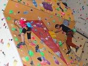V sobotu 25. února 2017 se ve Zlíně konal 3. ročník benefiční akce Život je dar. Připravený byl bohatý kulturní program pro děti, rodiče i dospělé. Například si mohli vyzkoušet lezení po horolezecké stěně ve zlínském lezeckém centru Vertikon-Singingrock.