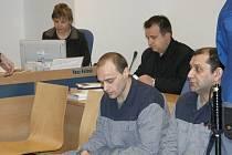 Sedmičlenný gang, který má mít na svědomí sedm desítek vloupání. Na snímku vlevo Stanislav Janošovský.