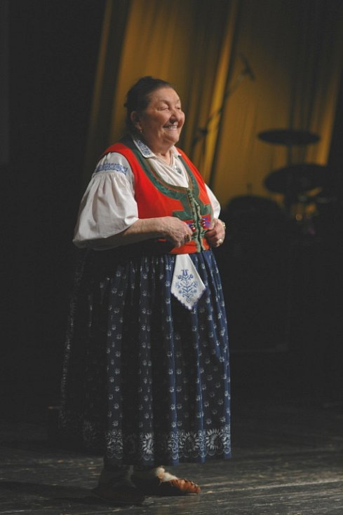 Osobností Zlínského kraje roku 2008 se stala valašská královna Jarmila Šuláková. Ocenění převzala z rukou hejtmana Stanislava Mišáka a přítomným zazpívala sama i se skupinou Fleret.