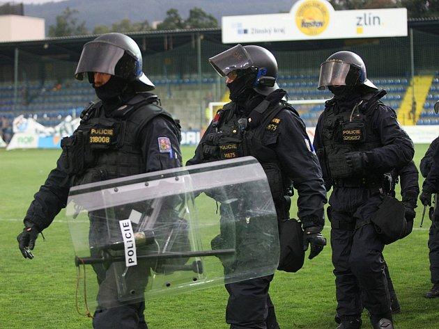 Při utkání FC FASTAV Zlín – FC Baník Ostrava zasahovala policie.