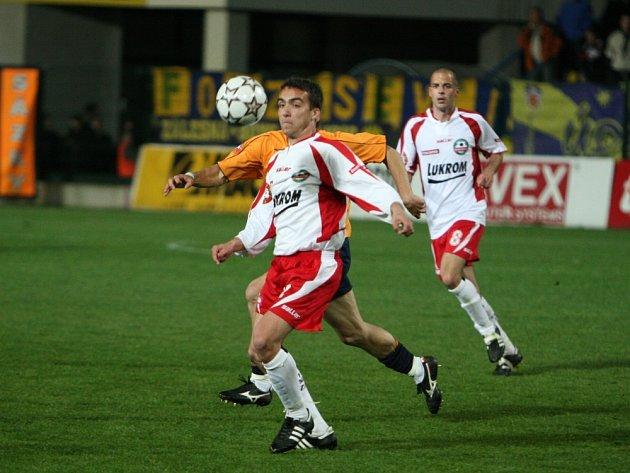POPRVÉ V ZÁKLADNÍ SESTAVĚ. Ani slovenský záložník Michal Dian (vlevo) nepomohl Zlínu k důležitým bodům.