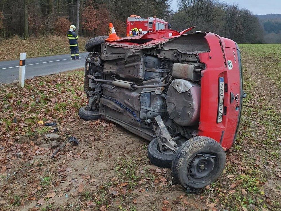 Nehoda mezi obcemi Velký Ořechov a Pašovice na Zlínsku, 19. prosince 2020.