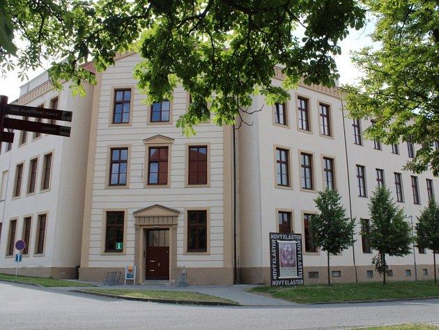Budovu bývalého kláštera v Napajedlích opravovali 12 let, letos je konečně se vším všudy hotový.