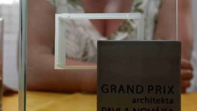 GRAND PRIX. Nejlepší stavby a rekonstrukce se oceňovaly letos už popáté. Poprvé se ale včera představila Cena Grand Prix architekta Pavla Nováka.