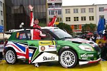 Motoristické šílenství začalo. Jubilejní 40. ročník Barum Czech Rally Zlín totiž slavnostně odstartoval v pátek v 17 hodin před radnicí na náměstí Míru ve Zlíně.