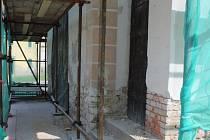 V Tlumačově zahájili rekonstrukci fasády kostela svatého Martina. Je to významná kulturní památka chráněná Národním památkovým úřadem. Vzhledem ke svému stáří a z památkového pohledu patří k nejvýznamnějším chrámům v našem regionu.