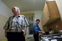 Lidé bez domova tráví mrazivé zimní noci v azylovém domě Samaritán v Otrokovicích