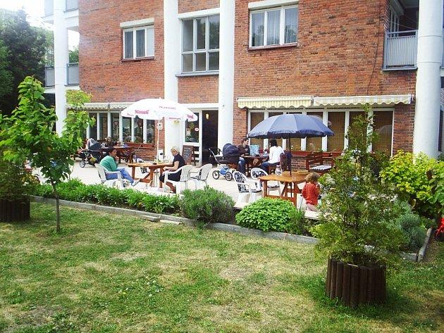 Netradiční kavárna Slunečnice.