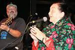 Skupina Fleret pokřtila nové CD a zpěvačka Jarmila Šuláková oslavila už poněkolikáté osmdesáté narozeniny.