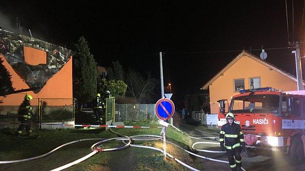 Požár stodoly rodinného domu v Kostelci u Zlína