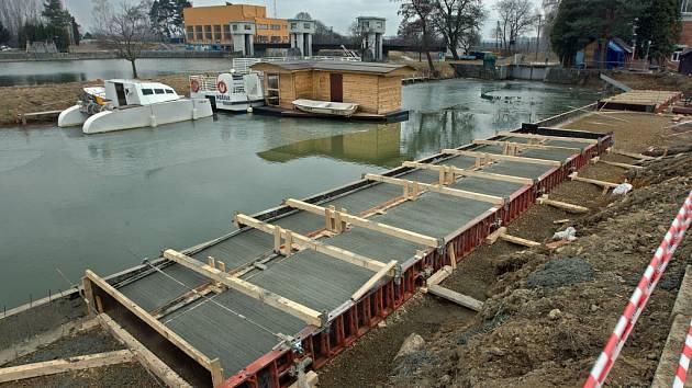 Nové molo už brzo získá přístaviště na Baťově kanále ve Spytihněvi