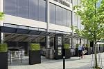 U Obchodního domu Zlín budou zastřešené zahrádky, výstavba je zahájena