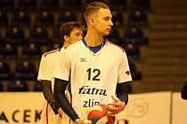 Mladý univerzál Jiří Adamec dostává v posledních zápasech mezi zlínskými extraligovými volejbalisty hodně prostoru.
