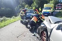 Mezi obcemi Kašava a Ostrata došlo k čelnímu střetu dvou osobních vozidel
