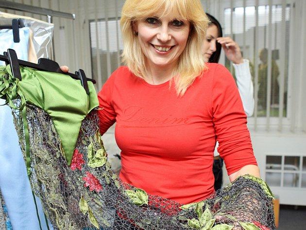 Sama Marie Zelená dává přednost sportovní módě. Díky své fantazii ovšem obléká mnoho top modelek.