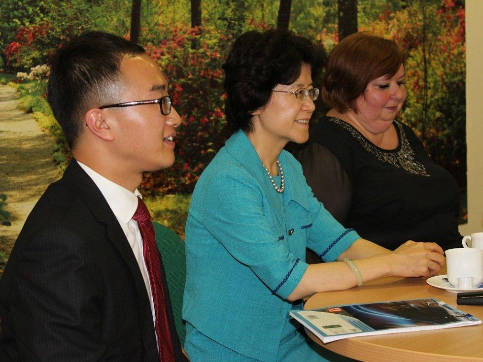 V pátek 9. září 2016 navštívila Domov pro seniory v Lukově velvyslankyně Čínské lidové republiky Ma Keqing.