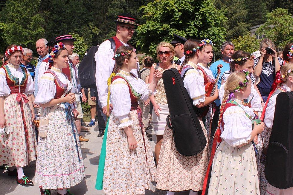 Otevírání pramenů v Luhačovicích. Ilustrační foto