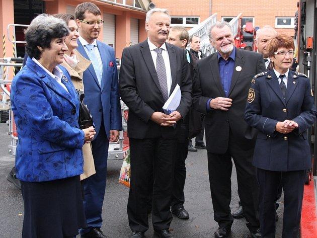 Náměstci ministra vnitra přislíbili ve Zlíně nová auta i poštu na náměstí