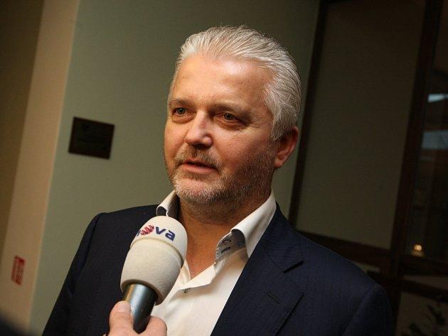 Volby do Senátu 2014. Libor Lukáš v hotelu Baltaci.