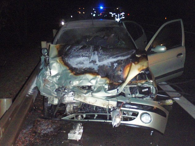 Nehoda osobních vozidel u Napajedel.