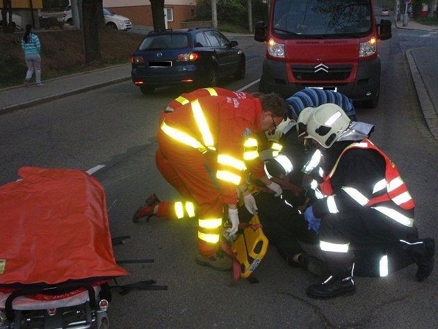 Dopravní nehoda motocyklu a SUV na ulici Štefánikova ve Zlíně