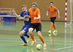 Zlínští futsalisté (v oranžových dresech) prohráli ve východní skupině druhé ligy s ostravským Baníkem 3:5.