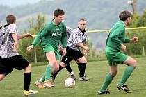 Fotbalisté Mladcové B (v zeleném) proti Kudlovu