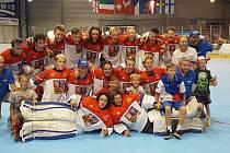 Družstvo Česka z ME 18 v in-line hokeji 2017.