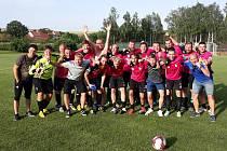 Fotbalisté Březolup zvládli klíčovou záchranářskou bitvu v Drslavicích. Na jednoznačné výhře 4:0 se hattrickem podílel útočník Petr Gajdošík (na snímku v šedém triku).