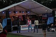 SKVĚLÁ MUZIKA. Na festival, který neláká velikostí, ale spíše atmosférou, dorazily stovky lidí.