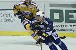 Hokejisté Zlína (ve žlutém) s Plzní