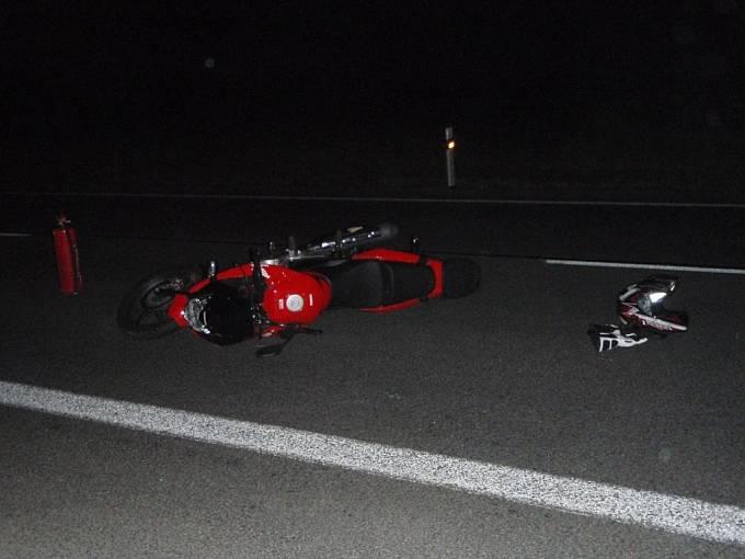 Střet motocyklu se srncem u Vizovic