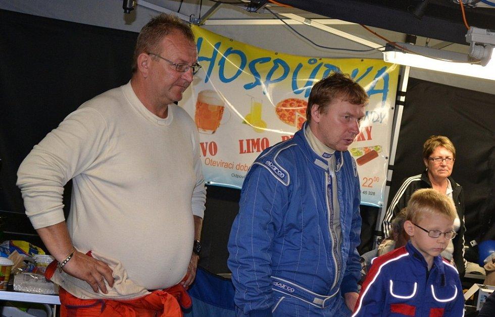 Večerní servis po I.etapě Barum Czech Rally