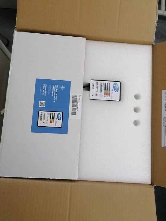Přepravní box od společnosti Pfizer a BioNTech pro vakcínu proti koronaviru.