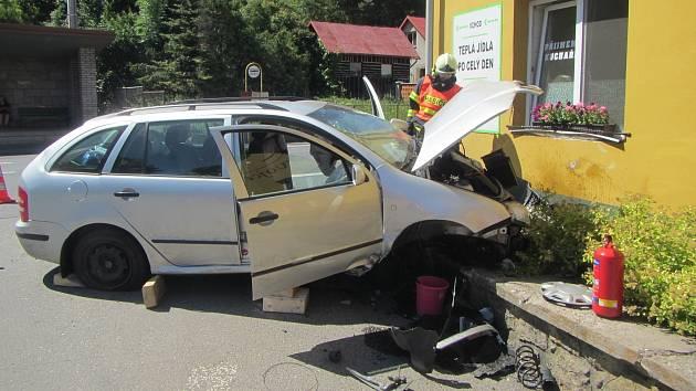 Následky nehody v Jasenné