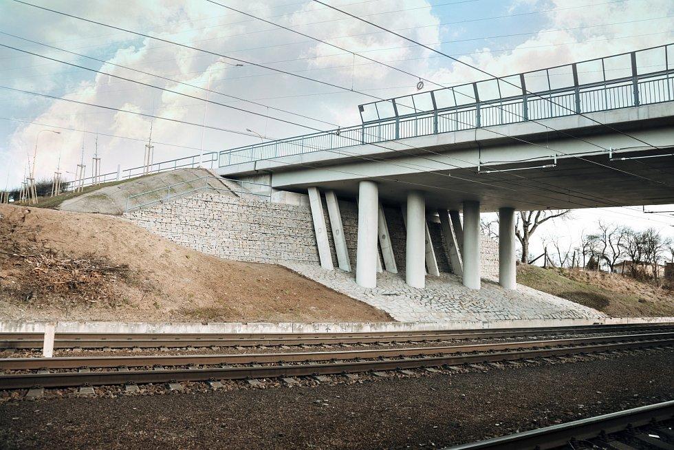 Rekonstrukce mostu M1 přes železniční trať a místní komunikaci, ul. Nadjezd, Otrokovice