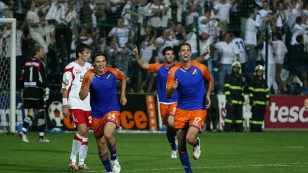 Baníkovci slaví druhý gól ve zlínské síti.