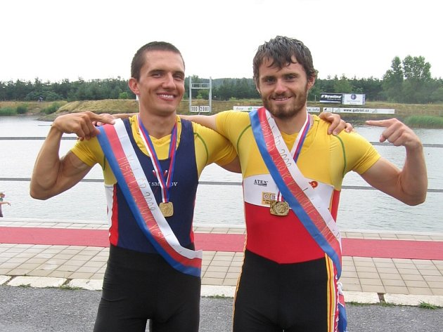 Vlastimil Čabla (vpravo) vyhrál letos se svým parťákem Adamem Kapou český šampionát v nepárové dvojce i čtyřce