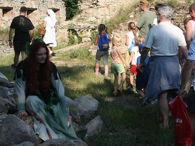 Strašidelná prohlídka na hradě Lukov