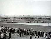 Výstava  S Baťou do oblak v letištním hangáru v Otrokovicích.Letecký den 1933