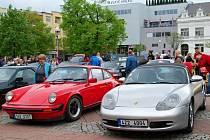 Členové klubu vozů Porsche si dali sraz v Luhačovicích.