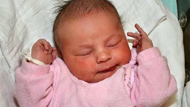 Lenka Švecová ze Zlína se narodila 5.02.2012 s váhou 3950g, velká  50cm