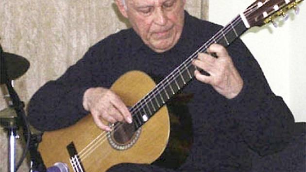 JIŘÍ JIRMAL. Žijící legenda české kytary.