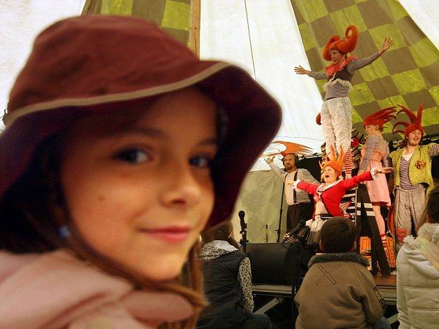 Divadlení projekt Kašpárek v rohlíku, jako součást prvního dne Mezinárodního festivalu filmů pro děti a mládež.