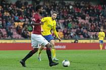 Fotbalisté Zlína (žluté dresy) se ve 23. kole FORTUNA:LIGY utkali proti Spartě Praha. Na snímku Tomáš Poznar.